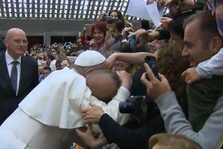 """El Papa asegura que """"la corrupción roba a los pobres"""""""
