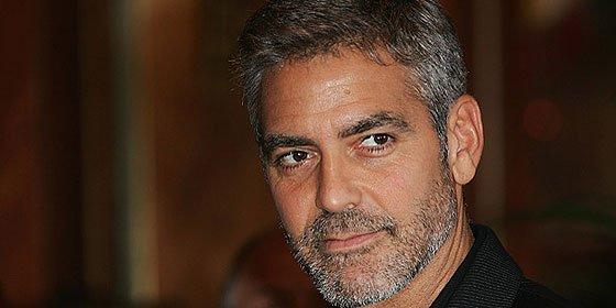 """George Clooney apoya a Francia y la libertad en los Globos de Oro: """"Je Suis Charlie"""""""