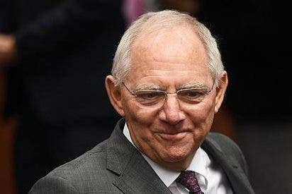 """El ministro de Finanzas germano advierte a Grecia que es """"difícil chantajear"""" a Alemania"""