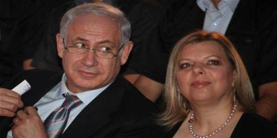 La esposa del primer ministro israelí hizo ir a su casa a medianoche al asistente... ¡para calentar la sopa!