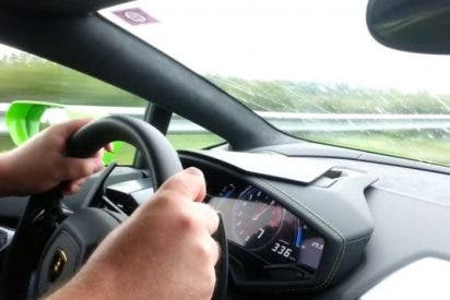 El vídeo de la torta que se dan dos locos a bordo de un Lamborghini... ¡a 312 kilómetros por hora!