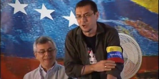 Los chavistas tildan ahora de Judas a Monedero tras tenerle a la sopa boba y untarle a millones