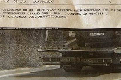 [Vídeo] Les cascan una multa de 100 euros por exceso de velocidad... ¡del coche averiado que iba en una grúa!