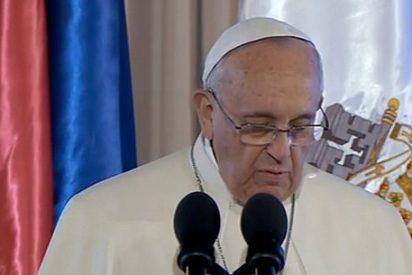 """El Papa denuncia las """"escandalosas desigualdades sociales"""" y exige """"escuchar la voz de los pobres"""""""