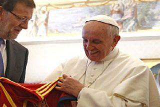 """Los obispos, """"contrariados"""" por la negativa del Papa a visitar España"""