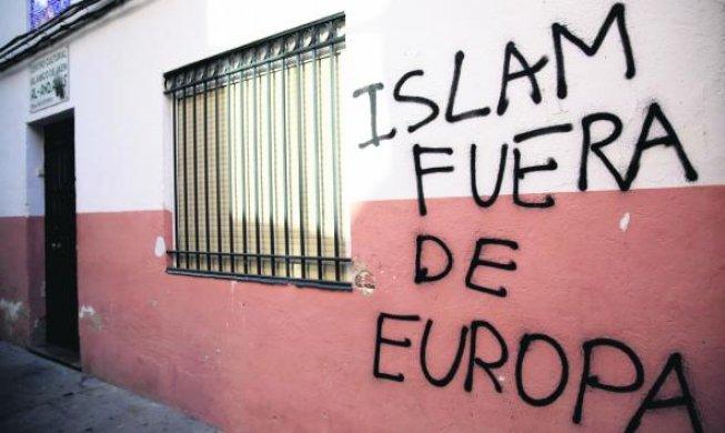 Pintada contra del Islam en una mezquita de Jaén
