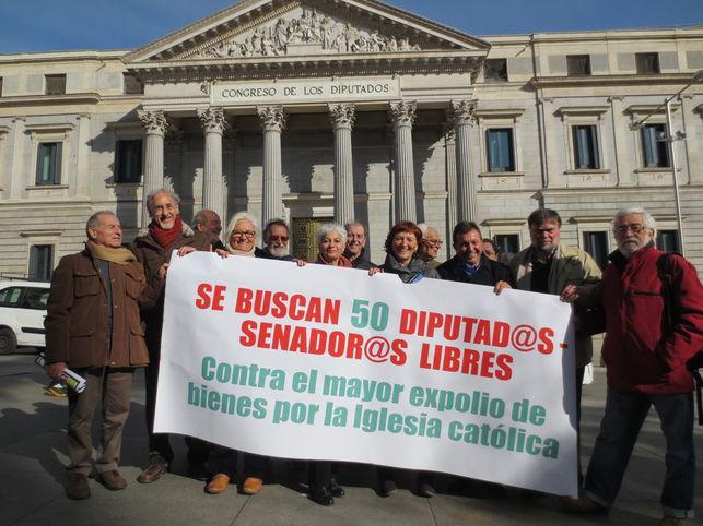 Buscan '50 diputados libres' contra las inmatriculaciones de la Iglesia