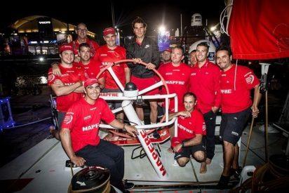 Rafa Nadal conoce en Abu Dabi al equipo español de la Volvo Ocean Race