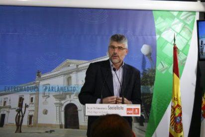 """El portavoz socialista, Valentín García: """"El final de la legislatura del PP es una chapuza, un esperpento y una indecencia política"""""""