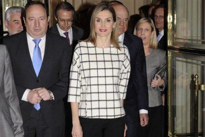 La Reina Letizia vuelve apostar por los cuadros