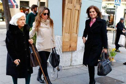 Ana Botella, almuerzo familiar con su madre y su hija
