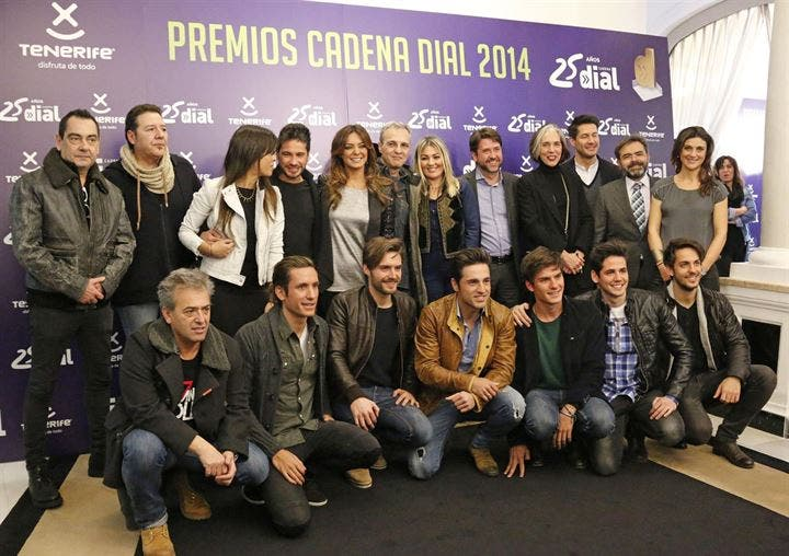 Cadena Dial premia por su 25 años de vida a Alejandro Sanz, Bosé y Hombres G