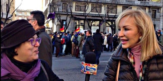 Lomana sale de la 'mani' de Podemos haciendo una promesa al PP