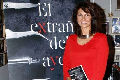 Cristina Higueras presenta su primera novela negra rodeada de amigos