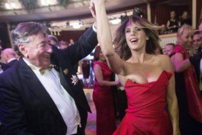 La ex de Vieri y George Clooney enseña un pecho en la Ópera