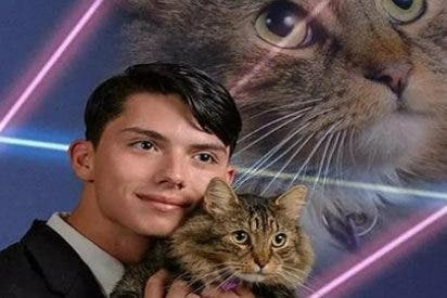 El trágico final del 'chico de la foto con el gato' que velaba por los animales callejeros