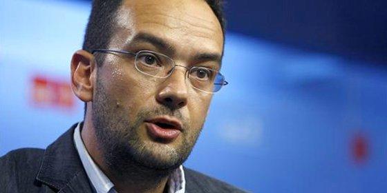 """Antonio Hernando: """"Rajoy es un parlamentario rocoso y duro, pero no pensaba que iba a ser insultante"""""""