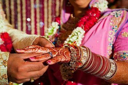 La novia se casa con un invitado de su boda tras sufrir un ataque el novio