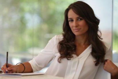 La presentadora más carismática de RTVCM, siempre 'al quite'