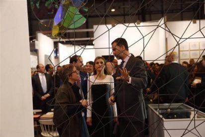 Los Reyes Felipe y Letizia inauguran por primera vez ARCO como monarcas exhibiendo su afición por el arte