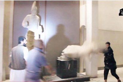 Los facinerosos del Estado Islámico destruyen decenas de estatuas milenarias en un museo de Mosul