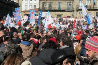 Multitudinaria marcha en defensa del uso del gallego en Santiago