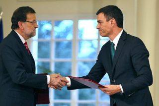 Mariano Rajoy y Pedro Sánchez firman el La Moncloa el pacto antiyihadista