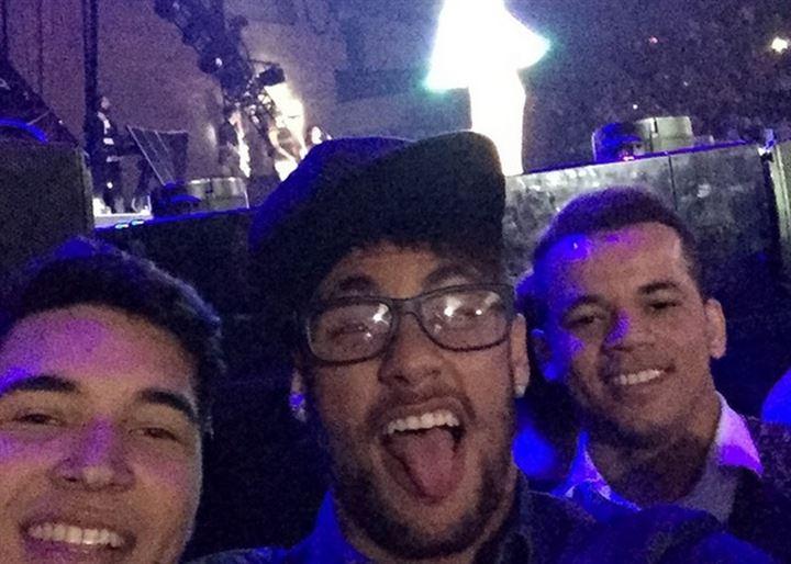 Neymar, Dani Alves o Mascherano, incondicionales del concierto de Katy Perry en el Palau Sant Jordi