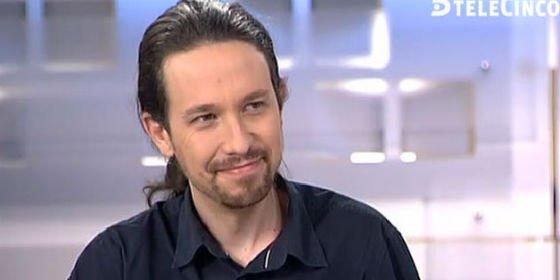 """Pablo Iglesias alucina con el """"trato elegante"""" de Pedro Piqueras en Telecinco"""
