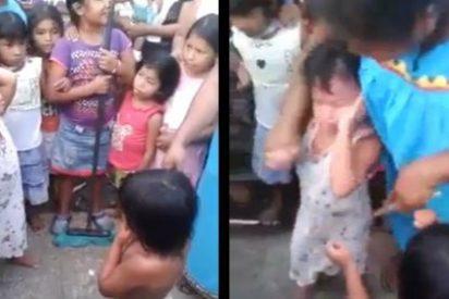 El terrible vídeo de las niñas que son obligadas por sus madres a darse una salvaje paliza
