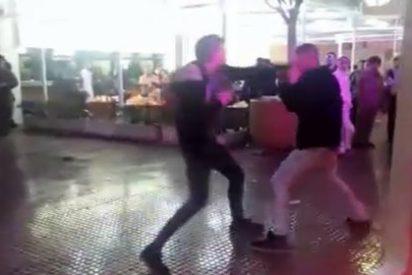 El vídeo de la brutal patada en la cabeza a un joven durante los carnavales de Alicante