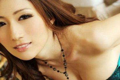 La empresa ofrece una salvaje noche de sexo con esta actriz porno a su mejor trabajador