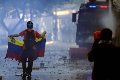 Un centenar de venezolanos piden la intervención del Papa Francisco
