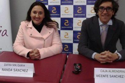 Cajalmendralejo entrega 3.000 euros a Zafra Solidaria