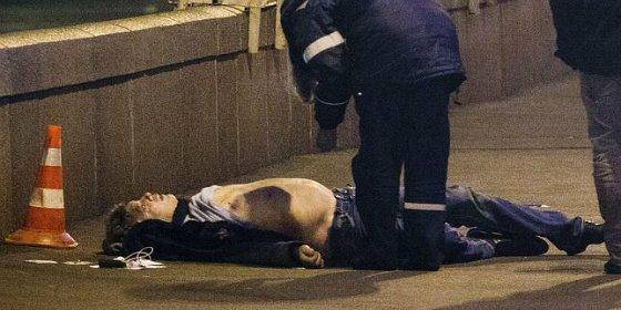 Matan a tiros en plena calle al líder opositor ruso Boris Nemtsov