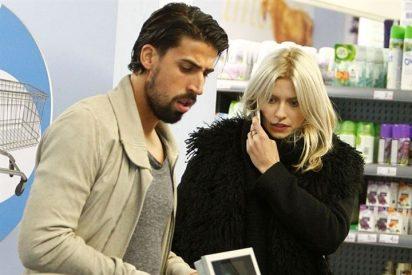 Sami Khedira presume de novia, la modelo Lena Gercke por la capital madrileña