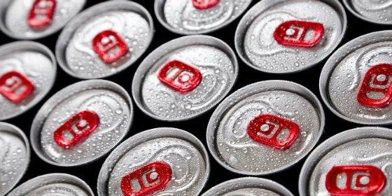 No te puedes imaginar la de cucharadas de azúcar que lleva cada lata de una bebida energética