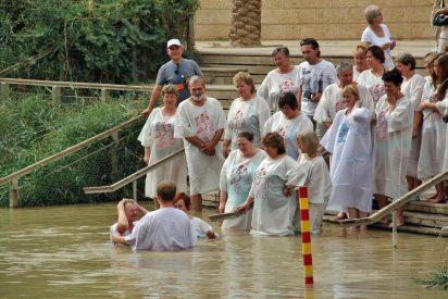 En el agua del Jordán