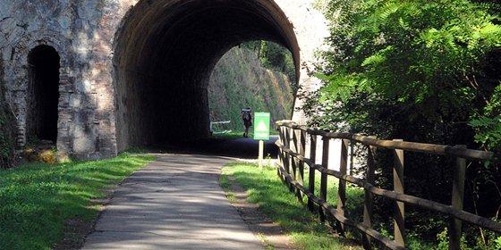 Vías Verdes: 107 rutas para bici o caminar por la antigua red ferroviaria española