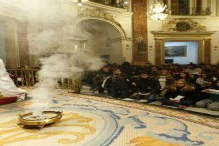 """El cardenal Cañizares apremia a los jóvenes a """"no apoltronarse"""""""