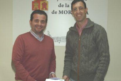 El Ayuntamiento de Moraleja dota de un segundo desfibrilador a sus instalaciones deportivas