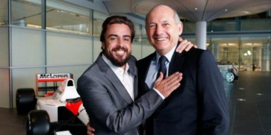 Ron Dennis señala a Fernando Alonso y le culpa del accidente en Montmeló