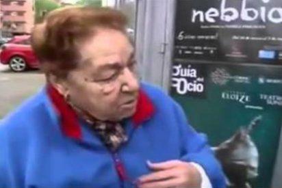 """[Vídeo] La anciana que está hasta el moño de la TV: """"Solo salen chuminos, es una putería o jodienda"""""""