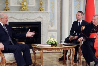 Lukashenko se reúne con Parolin y promete garantizar la igualdad interreligiosa