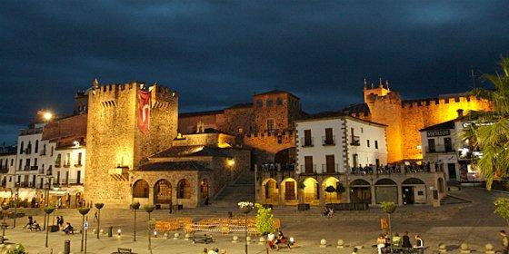 Este viernes se celebra II Ruta Poética por la Ciudad Monumental de Cáceres