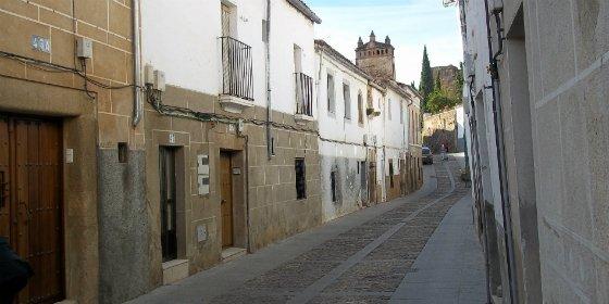 La calle Caleros en Cáceres se cortará al tráfico entre las 11.00 y las 14.00 horas de hoy miércoles