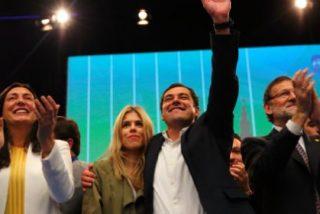 Rajoy pide el voto para Juanma Moreno frente a los 'partidos bisagra'