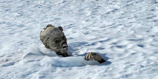 Las imágenes de los montañeros congelados y abrazados que desaparecieron hace 50 años