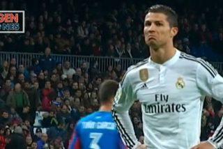 ¿Qué le pasa a Cristiano? Le pitan y se encara enfadado con el Bernabéu
