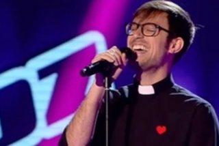"""El padre Damián, sorpresa en """"La Voz"""""""